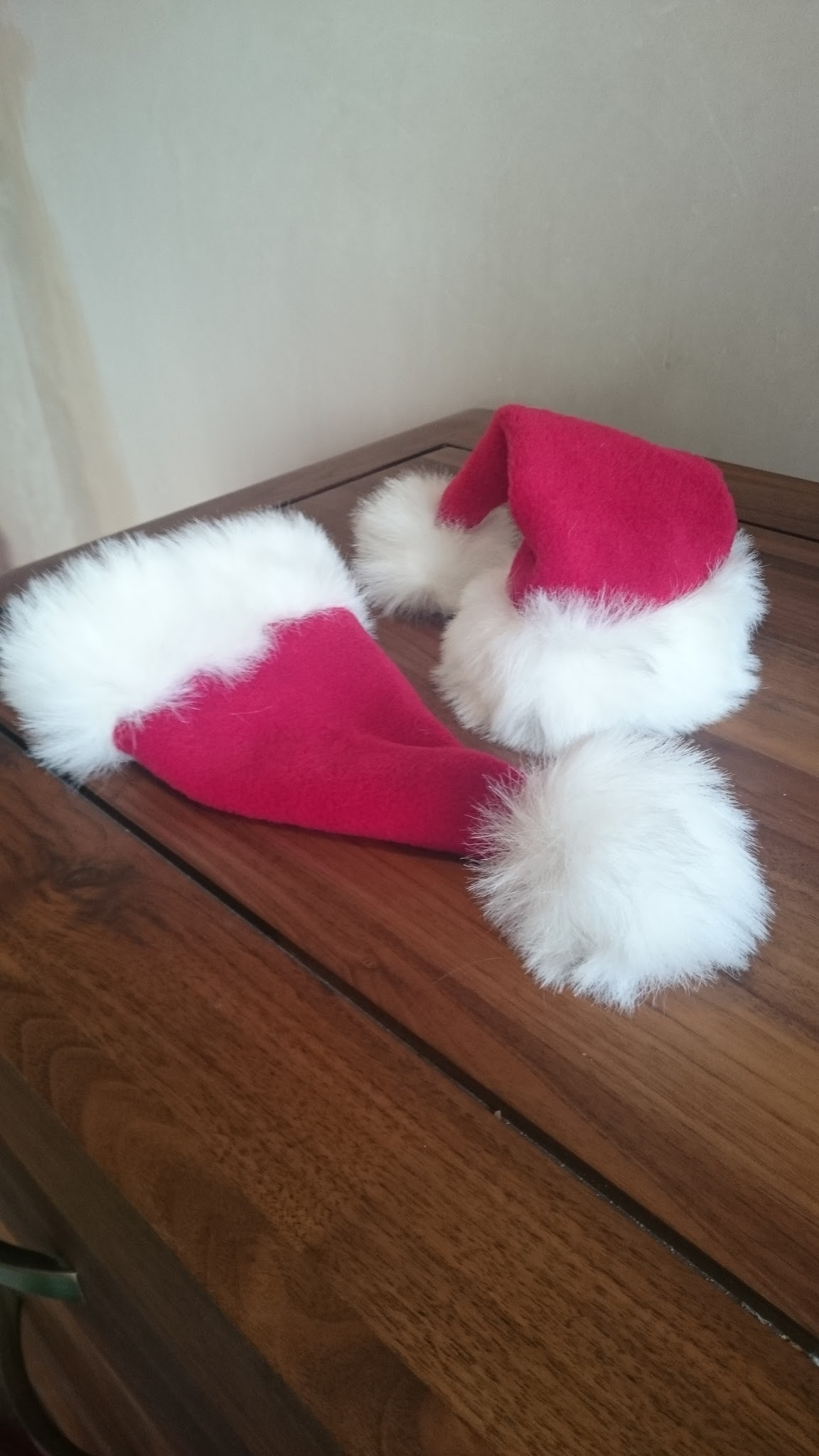 Mini santa hats